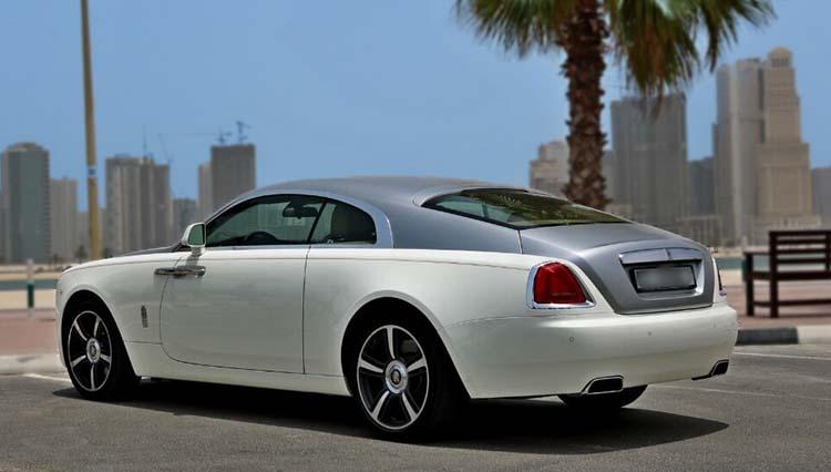 Rent-Rolls-Royce-Wraith-2016-in-Dubai